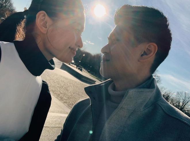 Á hậu Thùy Dung kỷ niệm 2 năm yêu bạn trai soái ca, mùa dịch không gặp nhau nhưng vẫn có quà chúc cực tình - Ảnh 4.