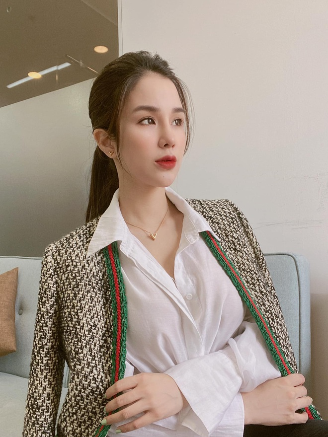 Mỹ nhân Vbiz khiến netizen hoảng hốt vì mặt sưng phồng: Lâm Anh thành bản sao Park Bom, Hiền Hồ bị nghi dao kéo - ảnh 12