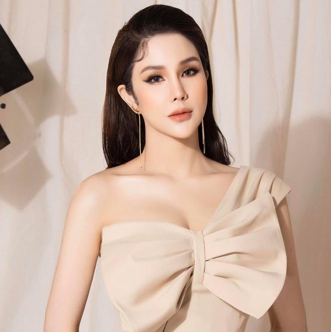 Mỹ nhân Vbiz khiến netizen hoảng hốt vì mặt sưng phồng: Lâm Anh thành bản sao Park Bom, Hiền Hồ bị nghi dao kéo - ảnh 13
