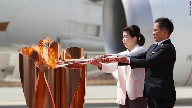 Olympic Tokyo bị hoãn: Thành trì cuối cùng của thể thao thế giới sụp đổ trước Covid-19 và lần hiếm hoi người Nhật bị chỉ trích - ảnh 5