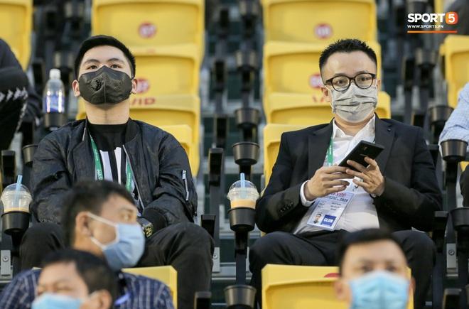 Nhiều CLB phản đối kế hoạch thi đấu chưa từng có tiền lệ của V.League 2020: Giải đấu bùng dịch thì kêu ai? - ảnh 2