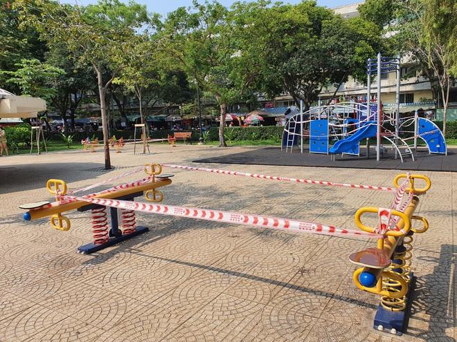 TP.HCM: Các khu tập thể dục, khu trò chơi thiếu nhi tại công viên chính thức ngưng hoạt động để phòng dịch Covid-19 - ảnh 10