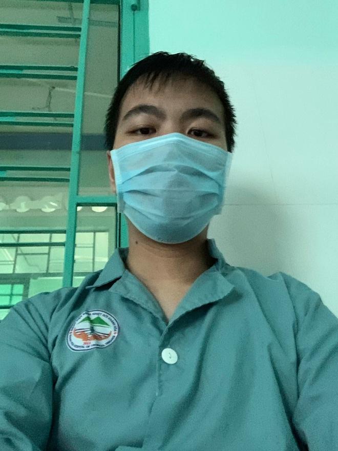 Chàng trai Việt viết báo cáo được đăng trên tạp chí khoa học quốc tế từ khu cách ly: Nếu mỗi người là 1 cánh bướm, sẽ có cơn bão lớn nhất hành tinh thổi bay Covid-19 - ảnh 3