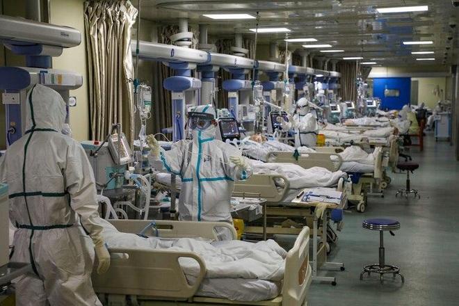Mọi thứ trở nên hỗn loạn chưa từng thấy: Các bệnh viện Mỹ đang vỡ trận vì đại dịch virus corona - ảnh 4
