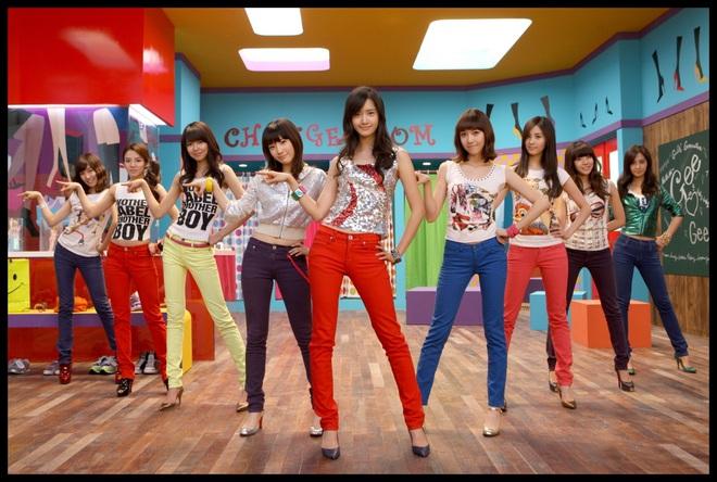 """Từ thời """"ngày xửa ngày xưa"""", SNSD đã lăng xê bao hot trend khiến dân tình điên đảo: Đẳng cấp girl group """"tường thành"""" là đây - ảnh 4"""