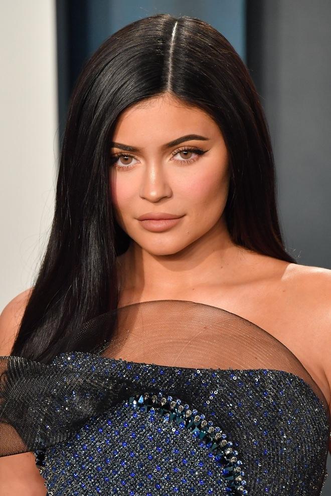Sau 1 năm, Kylie Jenner mới tiết lộ lý do gây sốc khi vắng mặt tại PFW năm ngoái: Tôi đã bị hộc máu mồm! - ảnh 2