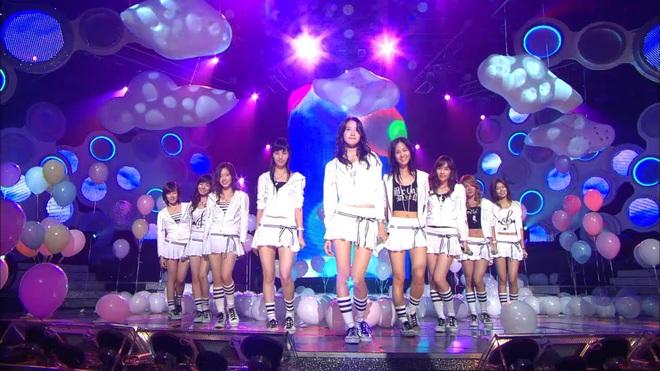"""Từ thời """"ngày xửa ngày xưa"""", SNSD đã lăng xê bao hot trend khiến dân tình điên đảo: Đẳng cấp girl group """"tường thành"""" là đây - ảnh 1"""