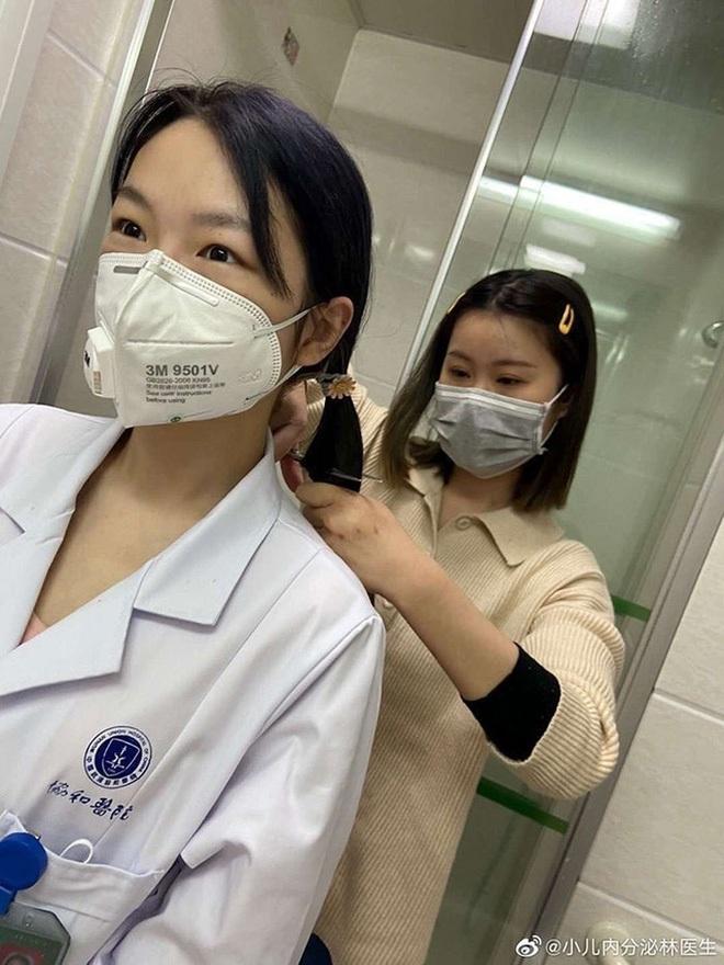 nurses-china-prepare-for-deployment-wuhan-coronavirus-2-5e32a72fbeae6700-1580606632609109208890-15809166440311333277268-15852399450761717336574.jpg