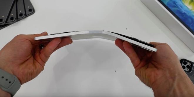 iPad Pro 2020 dễ gãy gập như bẻ bánh quy, ra mắt mới cứng đã dính phốt cũ của đời trước - ảnh 2
