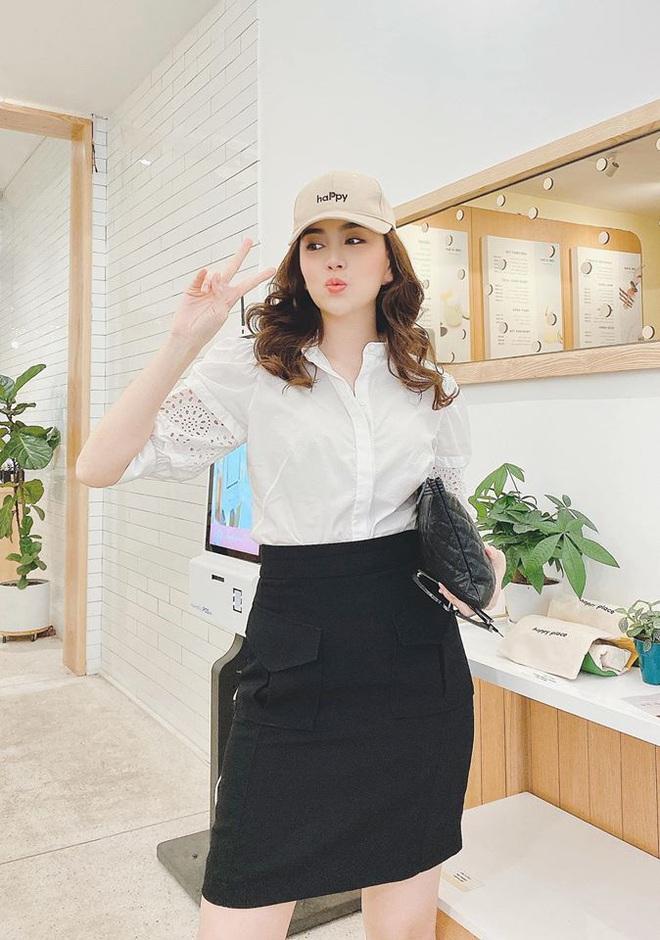 Mai Ngọc cosplay nữ sinh, diện áo trắng váy đen nhưng lại chưng phụ kiện hàng hiệu đắt giá đủ khiến chị em trầm trồ - ảnh 3