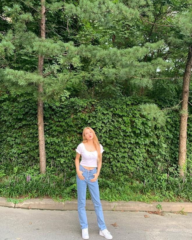Thuộc team chân ngắn của Kpop nhưng Yeri (Red Velvet) vẫn mặc quần jeans siêu nuột, ra là có bí kíp cả - ảnh 5