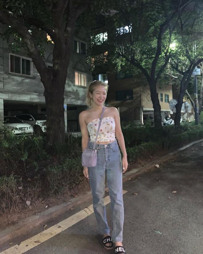 Thuộc team chân ngắn của Kpop nhưng Yeri (Red Velvet) vẫn mặc quần jeans siêu nuột, ra là có bí kíp cả - ảnh 6