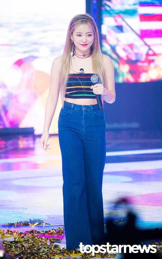 Thuộc team chân ngắn của Kpop nhưng Yeri (Red Velvet) vẫn mặc quần jeans siêu nuột, ra là có bí kíp cả - ảnh 7