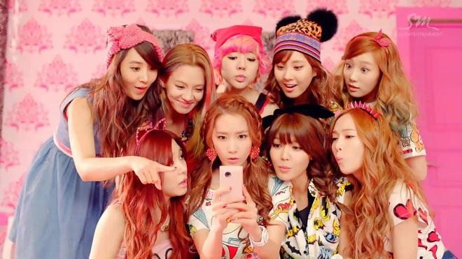 """Từ thời """"ngày xửa ngày xưa"""", SNSD đã lăng xê bao hot trend khiến dân tình điên đảo: Đẳng cấp girl group """"tường thành"""" là đây - ảnh 7"""