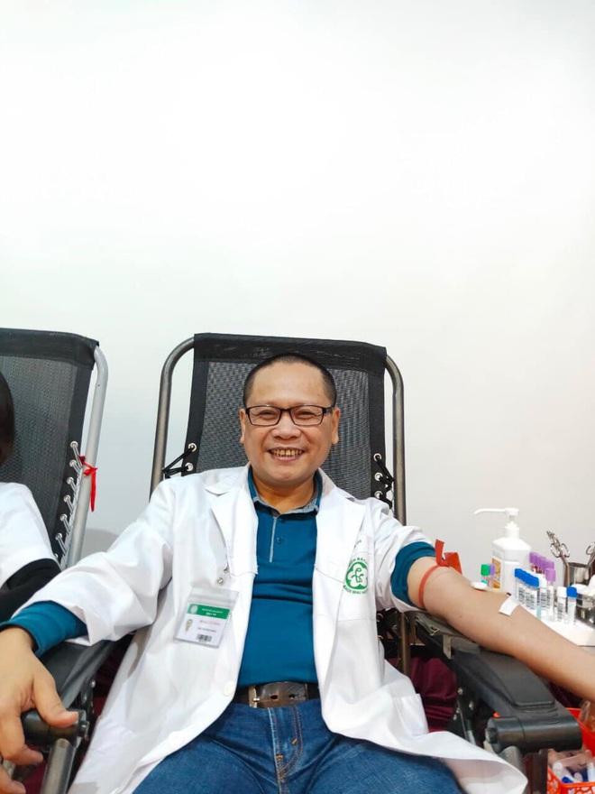 Bác sĩ BV Bạch Mai không để con gái về Việt Nam: Nhớ da diết nhưng phòng dịch tốt nhất bây giờ là ngồi yên một chỗ! - ảnh 4