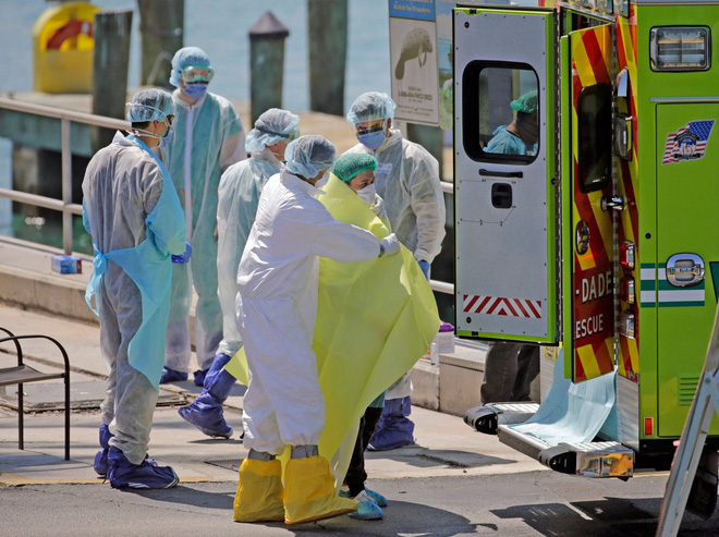Mỹ có số người nhiễm Covid-19 vượt Trung Quốc, trở thành ổ dịch lớn nhất thế giới - ảnh 1