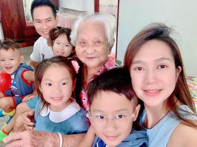 Ở nhà chăm 4 nhóc tỳ trong mùa dịch, vợ chồng Lý Hải liền nghĩ ra cách dạy con bổ ích và đáng học tập thế này đây! - ảnh 4