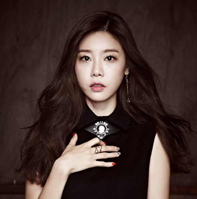 Lộ diện mĩ nhân tiếp theo lăm le sánh đôi với Lee Min Ho ở Bệ Hạ Bất Tử, thần thái ăn đứt cả Kim Go Eun? - ảnh 2