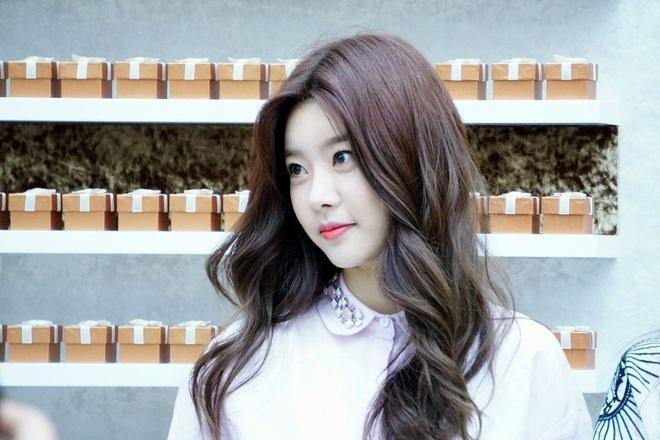 Lộ diện mĩ nhân tiếp theo lăm le sánh đôi với Lee Min Ho ở Bệ Hạ Bất Tử, thần thái ăn đứt cả Kim Go Eun? - ảnh 4