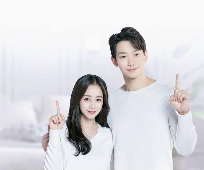 Kim Tae Hee và Bi Rain tung ảnh hậu trường: Ngắm mỹ nhân 2 con đẹp, kéo xuống hình vợ chồng mà ngã ngửa - ảnh 3