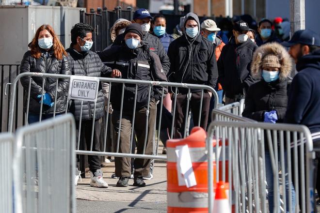 Mỹ có hơn 111.000 người nhiễm Covid-19, bang New York chiếm gần một nửa và đối diện với lệnh phong tỏa của Tổng thống Trump - ảnh 1