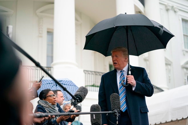 Mỹ có hơn 111.000 người nhiễm Covid-19, bang New York chiếm gần một nửa và đối diện với lệnh phong tỏa của Tổng thống Trump - ảnh 2