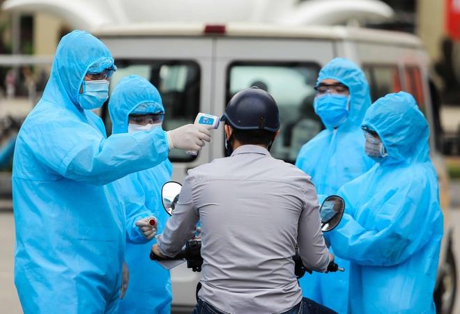 Toàn cảnh dịch Covid-19 tại Bệnh viện Bạch Mai trong 10 ngày qua: Từ 2 ca đầu tiên đến ổ dịch phức tạp nhất cả nước - ảnh 3
