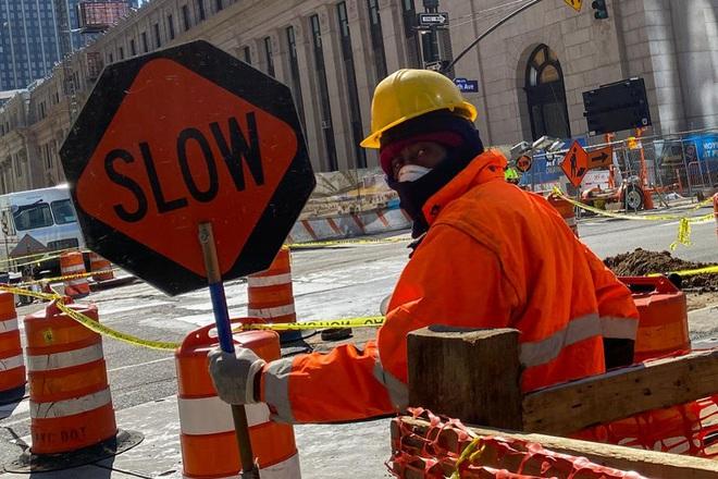 Tình trạng thất nghiệp 'bùng phát' trên toàn cầu vì dịch Covid-19: Người lao động khắc khoải chờ đợi khoản trợ cấp tới hàng chục triệu đồng/tháng - ảnh 1