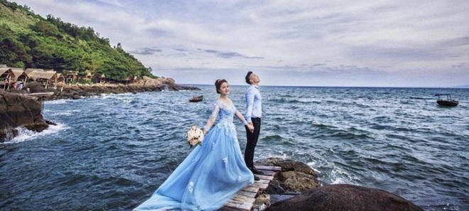 Hé lộ bộ ảnh cưới khiến Cao Xuân Tài mất đi nụ hôn đầu, cô dâu cài làm hình nền nhưng không quên đính chính! - ảnh 6