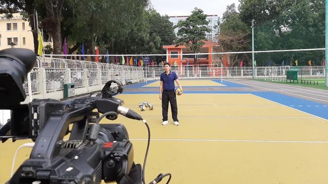 Học thể dục online mà đầu tư xịn xò như quay MV, trường Đại học chất nhất mùa Covid-19 đây rồi! - ảnh 7