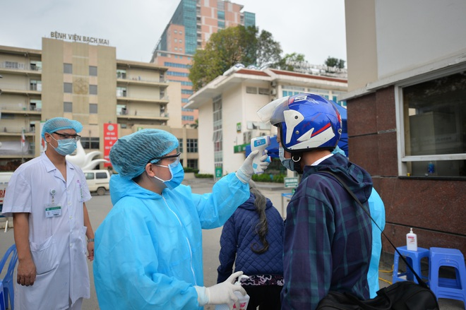 Hà Nội yêu cầu mọi người dân ở trong nhà, chỉ ra ngoài trong trường hợp thật sự cần thiết để phòng chống dịch Covid-19 - ảnh 1