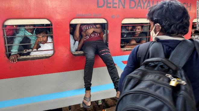 1 toilet, ngàn người sử dụng: Khi cách ly trở thành đặc quyền của giới nhà giàu Ấn Độ, còn dân nghèo thì không thể - Ảnh 6.