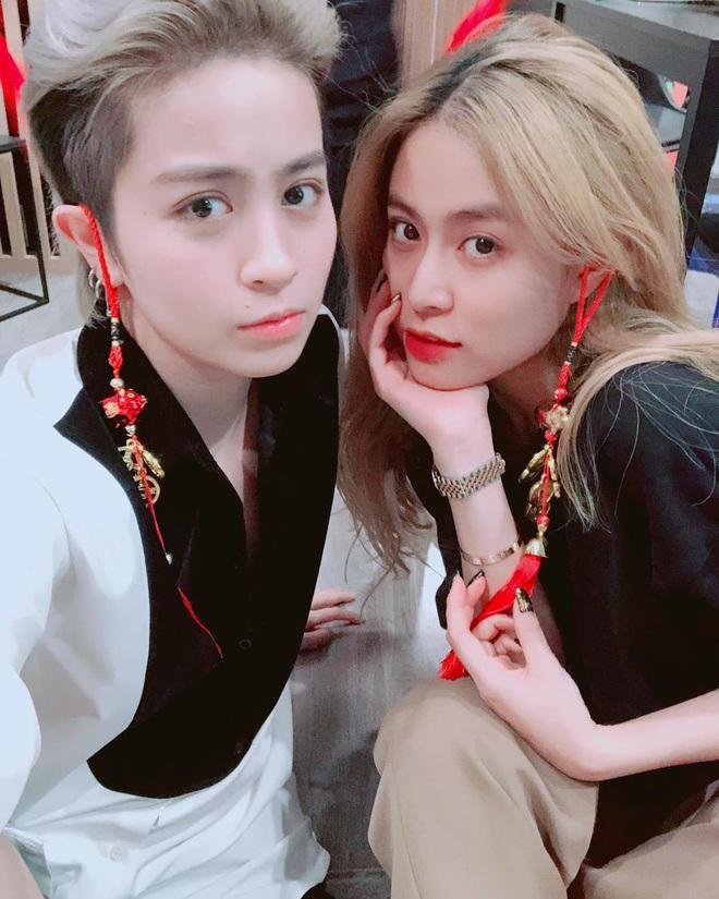 """Lây cool cho nhau là có thật: Từ ngày cặp kè Gil Lê, Hoàng Thùy Linh mặc đẹp hẳn, vẫn """"bánh bèo"""" nhưng nhìn rõ sang - ảnh 9"""