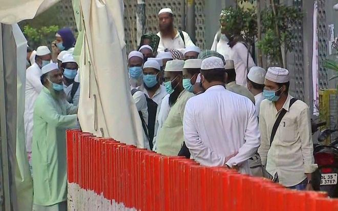 Ấn Độ chấn động với siêu ổ dịch Covid-19 lớn ở thủ đô New Delhi - ảnh 1