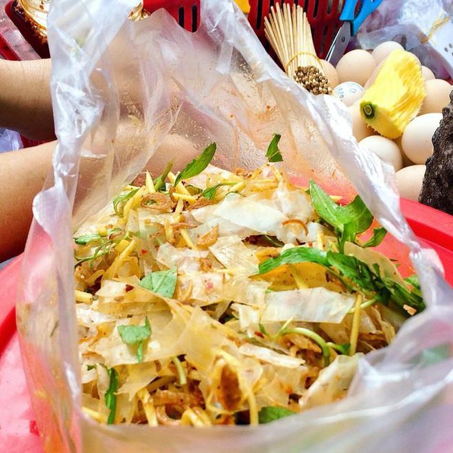 Càn quét hết 10 toạ độ bán bánh tráng ngon nức tiếng giữa lòng Sài Gòn, toàn là nơi đình đám được review rất tốt - Ảnh 16.