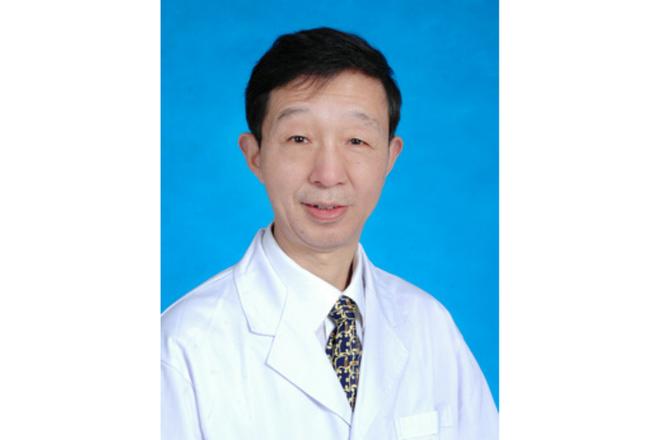 Đã nghỉ hưu vẫn trở lại tuyến đầu chống dịch, bác sĩ kỳ cựu ở Vũ Hán qua đời vì nhiễm virus corona - Ảnh 1.