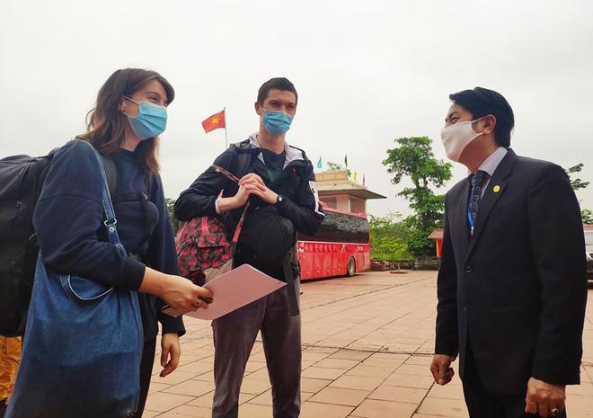 Hai du khách Ireland cảm ơn sau khi rời khu cách ly: Chúng tôi ấn tượng cách người Việt Nam chung tay ứng phó với dịch COVID-19 - ảnh 1