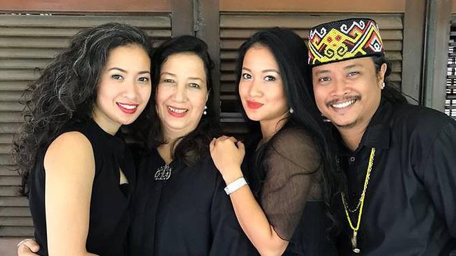 Ba mẹ con nhiễm Covid-19 đầu tiên ở Indonesia kể lại thời điểm khủng hoảng khi có kết quả dương tính, bị dân mạng kỳ thị và dọa giết mỗi ngày - ảnh 2