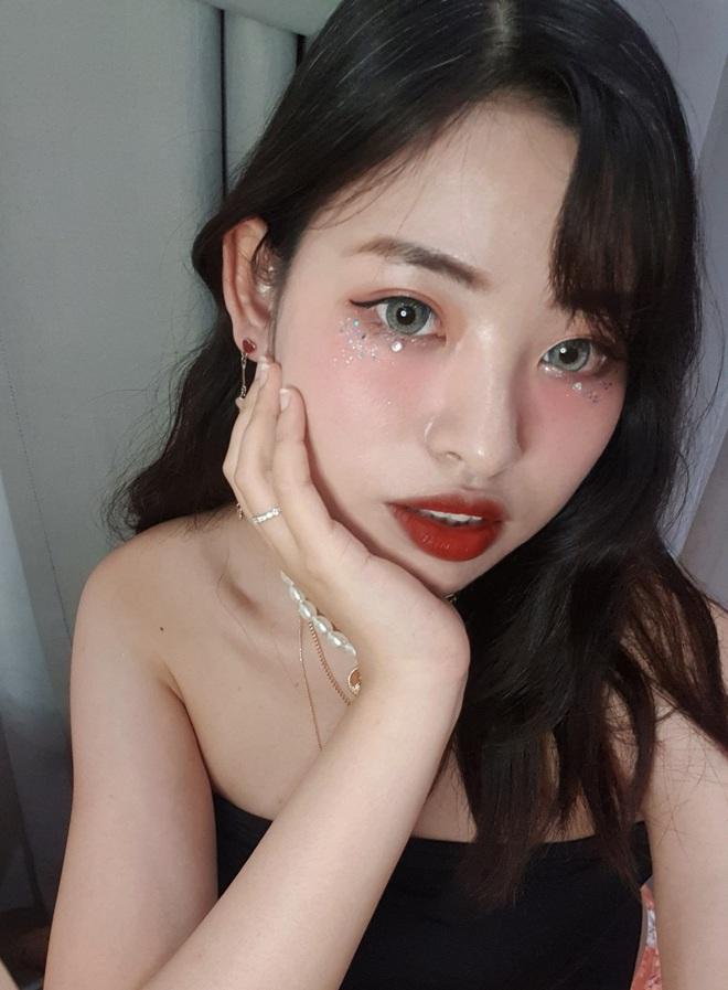 Tự nhận mặt U-line vẫn thử kiểu makeup của hội ulzzang mặt V-line, cô bạn Việt Nam xinh lên bất ngờ, còn được khen có nét giống idol - ảnh 6