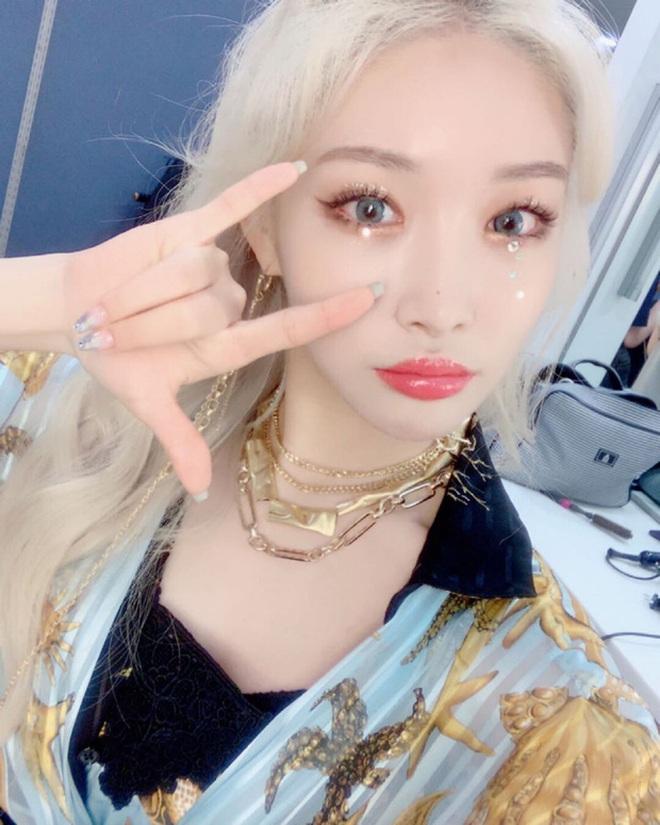 Tự nhận mặt U-line vẫn thử kiểu makeup của hội ulzzang mặt V-line, cô bạn Việt Nam xinh lên bất ngờ, còn được khen có nét giống idol - ảnh 2