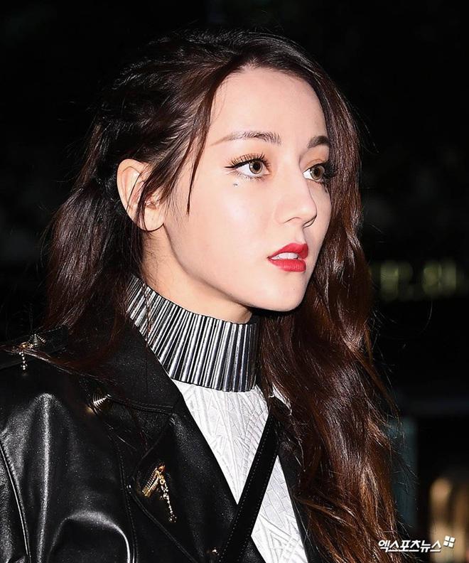Tự nhận mặt U-line vẫn thử kiểu makeup của hội ulzzang mặt V-line, cô bạn Việt Nam xinh lên bất ngờ, còn được khen có nét giống idol - ảnh 1