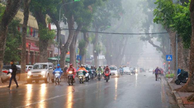 Miền Bắc đón không khí lạnh gây mưa rét, nền nhiệt giảm sâu, Hà Nội thấp nhất 16 độ C - Ảnh 1.