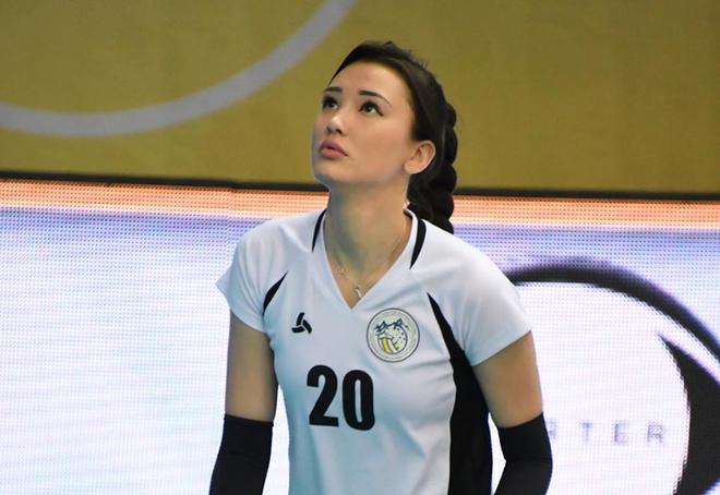 """""""Nữ thần"""" bóng chuyền châu Á bị đồng đội xa lánh vì như """"trung tâm vũ trụ"""", tính chuyển hẳn sang làm người mẫu - Ảnh 4."""