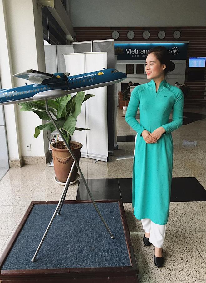 Nữ tiếp viên hàng không đưa 172 du học sinh mắc kẹt về nước: 12h đêm hạ cánh, vỡ oà khi hành khách thốt lên Đã được về nhà rồi - ảnh 8