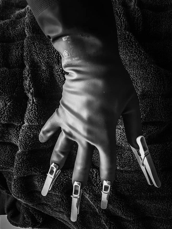 Rảnh rỗi sinh nông nổi: Ở nhà tránh dịch chán quá, thanh niên tự tay chế lại hàng loạt ảnh chụp bất hủ của các nhiếp ảnh gia - Ảnh 7.