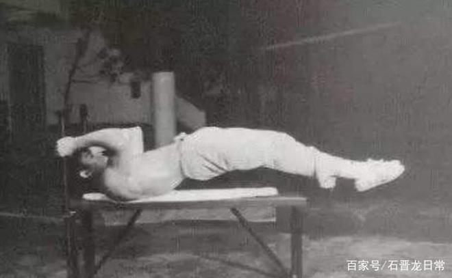 Huyền thoại võ thuật Lý Tiểu Long: Đệ tử nổi loạn của Diệp Vấn với kỷ lục khiến cả thế giới bội phục và cái chết bí ẩn - ảnh 10