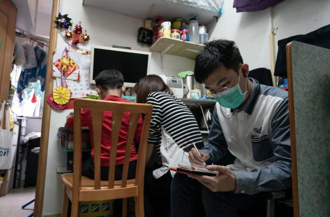 Bạn có thể tránh dịch, nhưng sao thoát được cơn đói?: Chuyện tồn tại của người nghèo châu Á giữa những thành phố bị phong tỏa vì Covid-19 - ảnh 3