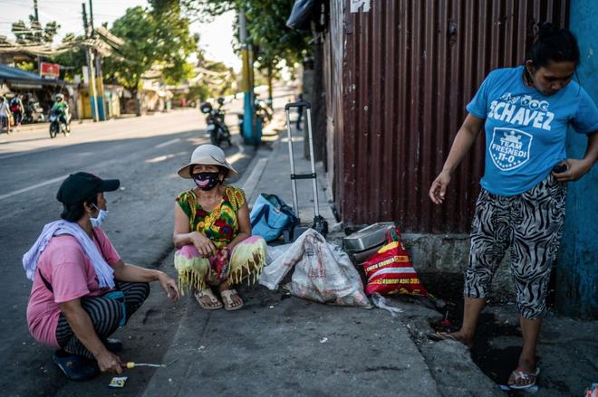 Bạn có thể tránh dịch, nhưng sao thoát được cơn đói?: Chuyện tồn tại của người nghèo châu Á giữa những thành phố bị phong tỏa vì Covid-19 - ảnh 17