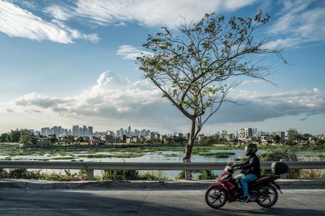 Bạn có thể tránh dịch, nhưng sao thoát được cơn đói?: Chuyện tồn tại của người nghèo châu Á giữa những thành phố bị phong tỏa vì Covid-19 - ảnh 19