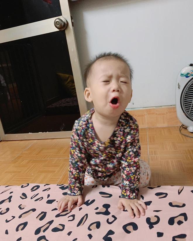 """Loạt biểu cảm đưa con gái của JustaTee - Trâm Anh lên hàng hội trưởng meme, độ """"mặn"""" đảm bảo dẫn đầu gia đình - Ảnh 10."""